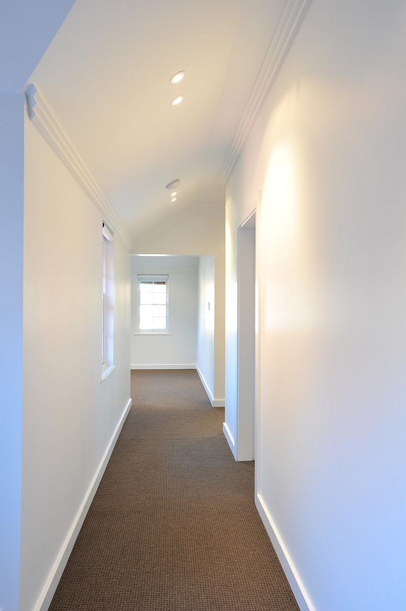7458-Hallway